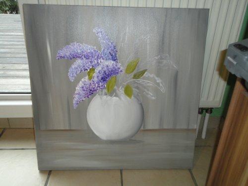 Bouquet de Lilas , sur fond couleur taupe