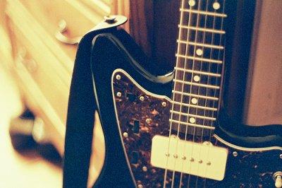 La bonne musique ne se trompe pas, et va droit au fond de l'âme chercher le chagrin qui nous dévore