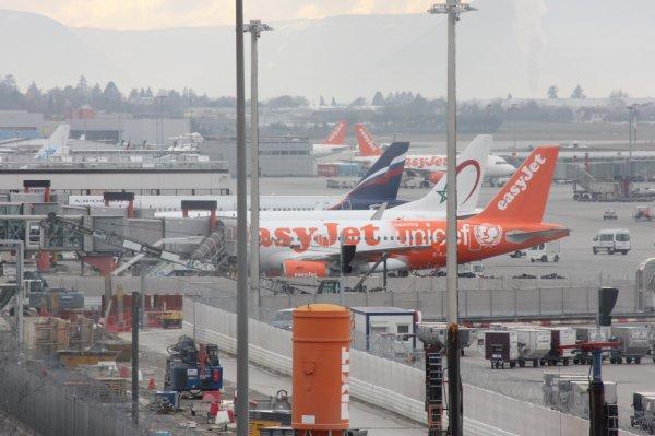 Spotting Genève (A-319-UNICEF Easy-jet)