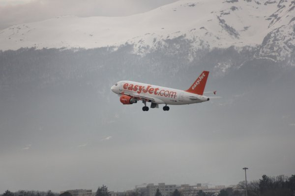 EasyJet Airline Airbus A319-111  + Alpes