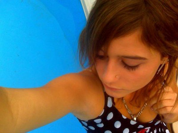 Charléne  / 17 ans / 24.03.94 / Collégiienne / Arvert ciity / Amoureuse ♥