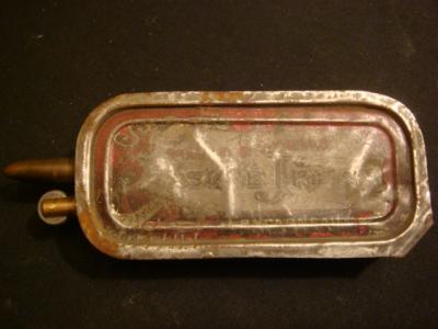 Briquet fait dans une boite de sardine