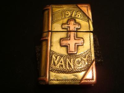 Briquet livre gravé Nancy