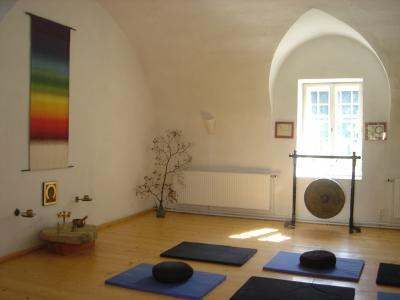 salle de m ditation rastenberg. Black Bedroom Furniture Sets. Home Design Ideas