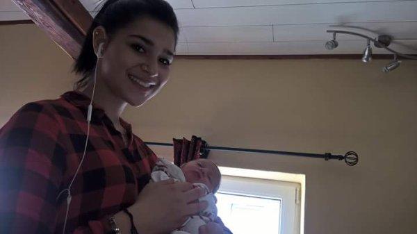 Ma fille avec ma p'tite fille