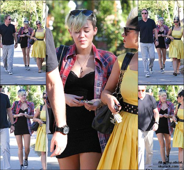 Miley allant voter pour les Présidentiel Americaine 2012 (Miley à vote pour Barack Obama) - 6 Novembre 2012