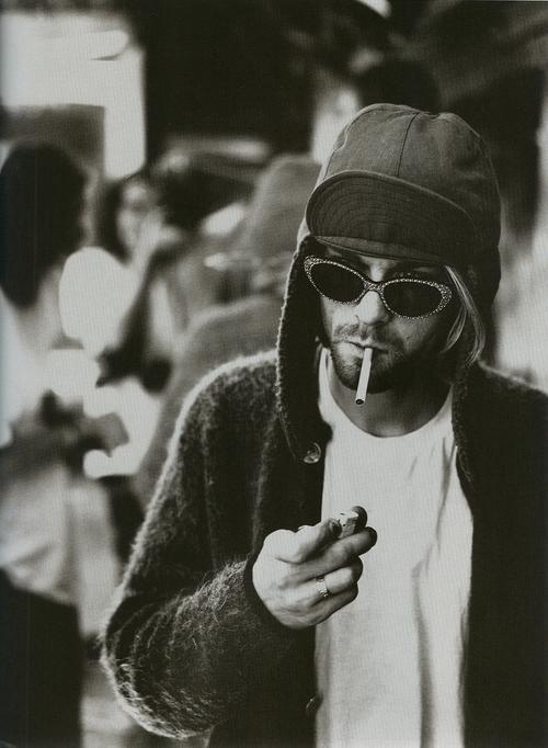 """""""Je t'aime pour ce que je ne suis pas, pas pour ce que j'ai déjà."""" - Kurt Cobain"""
