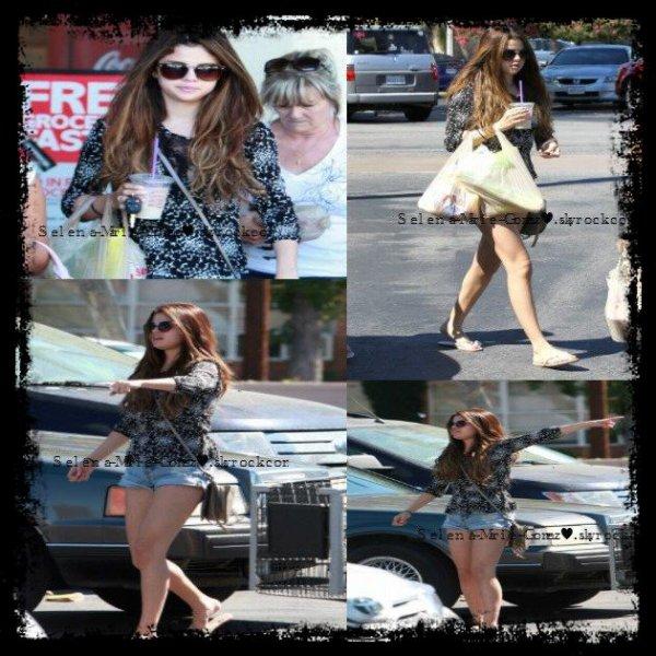 24-07-Selena