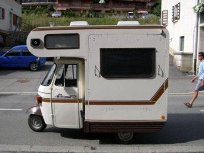 Célèbre camping car triporteur - Passioné de camion NF98