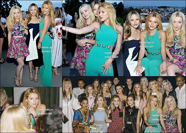05/08/15 : Miss Bella a été aperçue à la soirée organisée par Teen Vogue « Back-to-School Saturdays Party ». L'actrice portait une somptueuse robe verte qui la mettait en valeur. Elle a aussi posé avec Halston Sage et Dove Cameron. Top ![/font=Arial]
