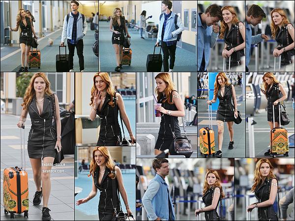 08/10/15 : Bella et son co-star Patrick Schwarzenegger ont été vus arrivant à l'aéroport de Vancouver. (Canada) Bella va en profiter pour fêter son anniversaire au côté de sa famille et ses amis. Tenue très décolletée pour la sortie mais qui est jolie.[/font=Arial]