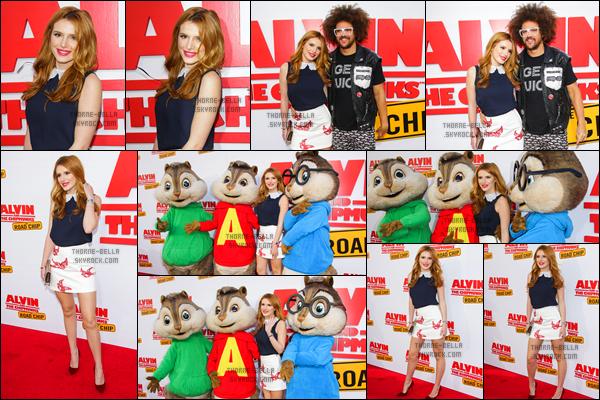 12/12/15 : Bella Thorne était à la première de son nouveau film Alvin and The Chipmunks: The Road Trip, à LA. Oh mon dieu, la tenue qu'elle porte est juste trop belle ! Si je pouvais, je ferai en sorte de porter la même. Vous l'aurez compris, top ![/font=Arial]