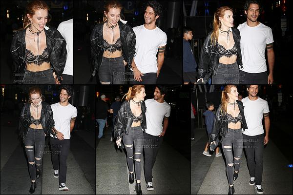 10/09/16 : Bella et l'acteur Tyler Posey ont été aperçus ensemble alors qu'ils se promenaient dans Los Angeles. Les deux jeunes gens ont également pris le temps de poser avec leurs fans, ce qui est adorable. J'aime bien la tenue que porte B. Top ![/font=Arial]