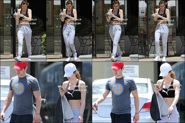 30/05/16 : La mistinguette et son Gregg adoré ont été aperçus quittant un café dans les rues de Studio City. Je n'ai aucun avis concernant la tenue de Bella puisqu'elle est sportive. C'est donc un bof pour ma part. Et vous, qu'en pensez-vous ?[/font=Arial]