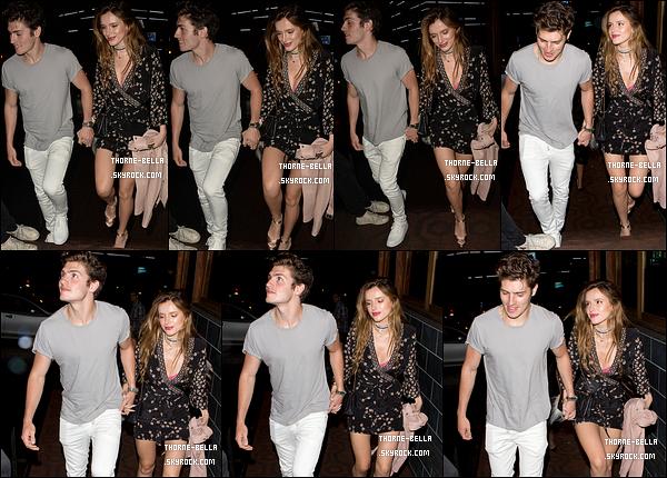 27/05/16 : Bella et Gregg ont été vus se rendant au Roku sur Sunset Boulevard pour l'anniversaire de ce dernier. Nouvelle sortie pour le couple. Qu'ils sont mignons ensemble ! J'adore la robe fleurie de Bella. Un très beau top pour l'actrice. Vos avis ?[/font=Arial]