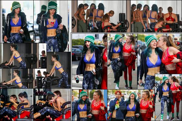 05/01/2017 : Bella Thorne ainsi que sa s½ur et une amie ont été aperçue faisant du pilate dans une salle de sport !C'est donc logiquement que plus tard, le trio féminin a été vue quittant la salle de sport en question et déambulant dans les rues de Los Angeles...