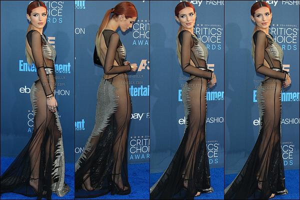 11/12/16 : Bella s'est rendue aux 22nd Annual Critics' Choice Awards qui se sont déroulés à Santa Monica. On dirait que l'actrice porte le style vestimentaire de Kim Kardashian, avec la robe transparente. Je ne suis pas fan de la couleur... [/font=Arial]