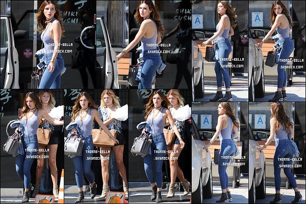 02/05/16 : Ma rousse adorée a été photographiée à la sortie d'un restaurant de sushis dans Studio City. Elle a ensuite été se promener avec ses amis. Concernant sa tenue, c'est un immense top. Elle est juste sublime, j'en suis fan ![/font=Arial]