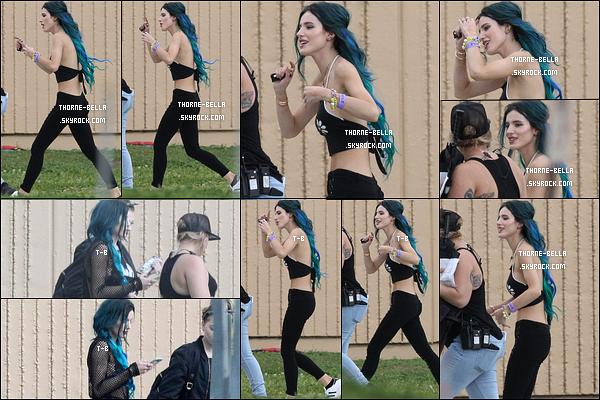 06/03/17 : Miss Bella Thorne a été vue sur le set du film Assassination Nation, tourné à la Nouvelle-Orléans. Elle semblait de bonne humeur et motivée, ça fait plaisir à voir. Par contre, les tenues n'ont rien de transcendant. Qu'en pensez-vous ?[/font=Arial]