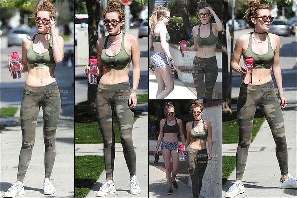 22/03/16 : Bella a été repérée par les paparazzis alors qu'elle se promenait dans les rues de Beverly Hills. C'est accompagnée de sa meilleure amie Bella que notre rouquine a été photographiée. Tenue de sport, donc aucun avis... Et vous ?[/font=Arial]