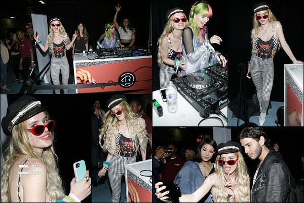 20/05/17 : Bella et Kyra se sont rendues au festival Beautycon afin de soutenir Dani qui mixait, à New York. On peut voir qu'il y avait une bonne ambiance. Concernant la tenue, c'est pas mal, ça fait rock. Qu'en pensez-vous ? Top ou flop ?[/font=Arial]