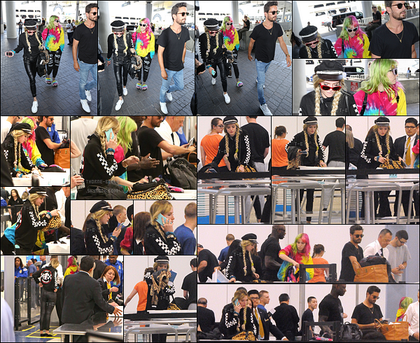 22/05/17 : Notre blondinette et Dani ont été rejointes par Scott Disick à l'aéroport LAX direction Nice. (France) En effet, il semblerait qu'ils se rendent au festival de Cannes. A votre, vont-ils monter les marches ? Si oui, aimeriez-vous ? Dites-moi tout !
