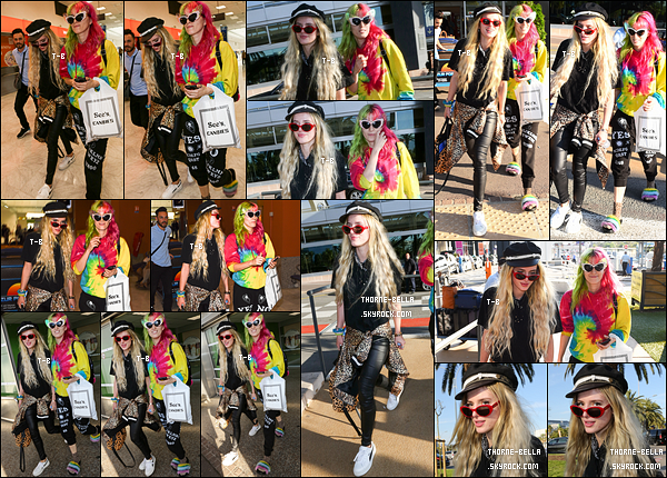 23/05/17 : Bella et Dani ont été repérées à leur arrivée à l'aéroport de Nice pour ensuite se rendre à Cannes. Au passage elles ont semé Scott Disick, qui n'apparaît pas sur les images. Mais, ça fait vraiment plaisir de voir notre actrice en France !