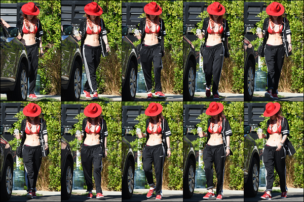 28/08/17 : Bella a été vue alors qu'elle quittait son domicile pour se rendre à un rendez-vous à Los Angeles. Pour cette sortie, j'adore son chapeau ainsi que le reste de la tenue excepté le jogging. Petit bof pour ma part. Qu'en pensez-vous?[/font=Arial]