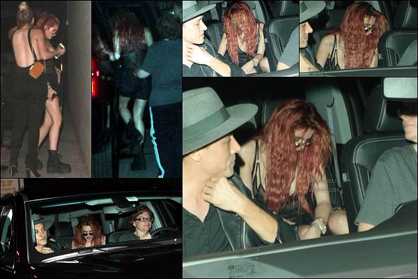 04/09/17 : Bella, toujours accompagnée de Lo, quittait le Peppermint Club dans le quartier de West Hollywood. Pour le moment, très peu de photos sont disponible et toutes de mauvaise qualité... Mais attendons de voir dans les prochains jours ![/font=Arial]