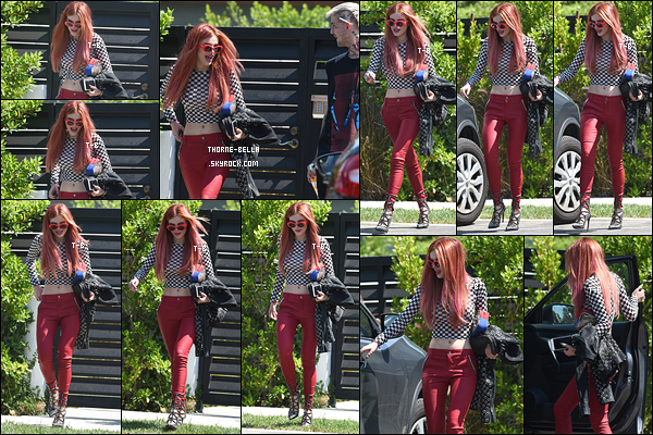 06/09/17 : Bella a été vue en train de quitter son domicile pour se rendre dans les locaux de Chelsea, à LA. Chelsea est un talk-show diffusé sur Netflix et présenté par Chelsea Handler. L'épisode sera bientôt disponible ! Que j'ai hâte.[/font=Arial]