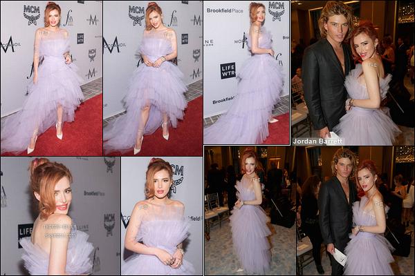 08/09/17 : Notre miss Thorne s'est donc rendue aux Daily Front Row's Fashion Media Awards, à New York. Je savais que j'allais avoir du boulot mais je ne pensais pas que ça serait autant que ça. Sinon j'aime toujours sa robe de princesse.[/font=Arial]