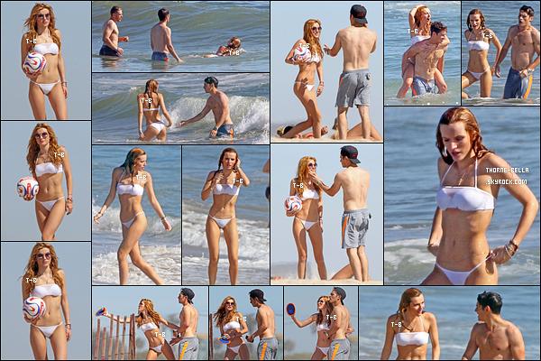 30/04/15 : Bella et Gregg se sont rendus à la plage afin de profiter du soleil et de la mer, dans Los Angeles. Que j'aime cette sortie ! Nos deux amoureux sont vraiment trop mignons ensemble et j'aime beaucoup le maillot de bain de Bella.[/font=Arial]