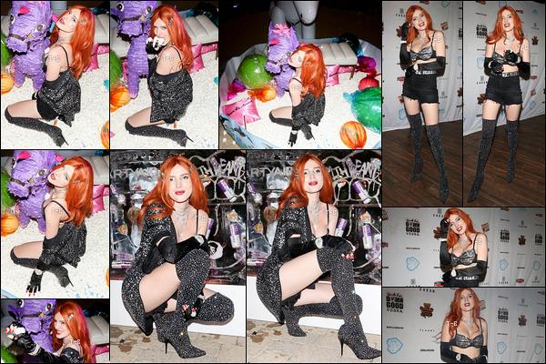 13/04/19 : Bella s'est rendue au célèbre festival de musique, Coachella, qui se déroule chaque an à Indio. (CA) Pour le coup, elle porte une tenue très rock et très sombre. Néanmoins, je suis fan de ses cuissardes pailletées. Je voudrais les même ![/font=Arial]