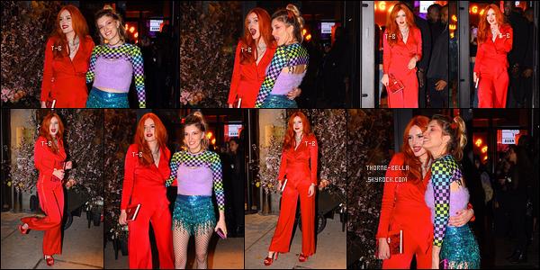 09/04/19 : Bella et sa soeurette Dani se sont rendues à l'ouverture de l'hôtel Moxy NYC Chelsea, à New York. Elle en a profité pour faire la promotion de son tout nouveau livre ainsi que sa marque de cosmétique. Folle ambiance lors de la soirée.[/font=Arial]