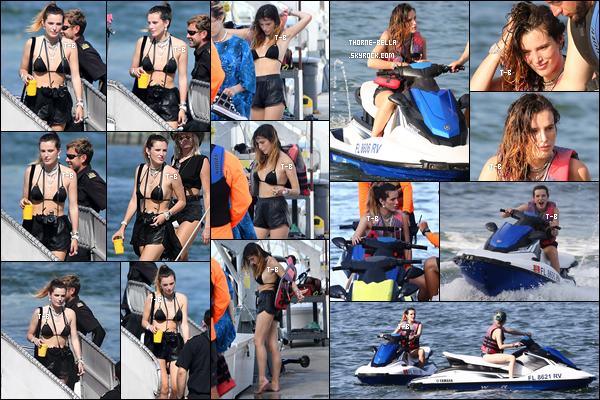 21/06/19 : Bella et sa soeurette Dani s'octroient des vacances à Miami et en profitent donc pour faire du jet ski. On peut dire que Bella s'amuse comme une petite folle à en voir les photos. Ca fait plaisir de la voir aussi heureuse. J'aime son maillot ![/font=Arial]