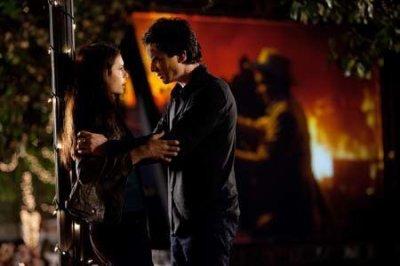 Damon et Elena, juste amis ?