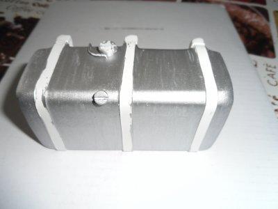 le reservoir en gris metal !!!
