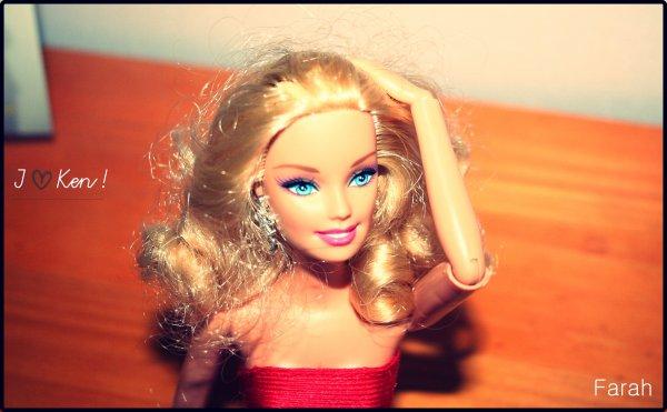 """- """" Salut, je m'appelle Ken. """"                                                                                                                                                             """" Moi c'est Barbie, On s'est pas déjà vu quelque part ? """"                                                                                                                                                 """" Han han, je crois que je m'en souviendrais.. *-* """""""