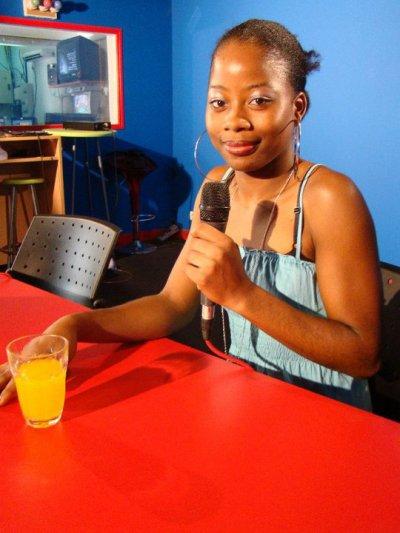"""LAYT. invitée de l'émission """" C tôt le matin sur Canal 10 """" !! et lauréate du """" Petit-Bourg Music Star """" !!!"""