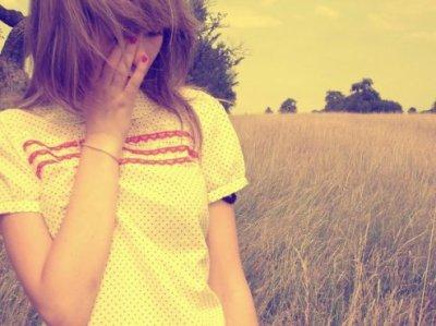 « On croit toujours être fort, malgré tout. Mais c'est quand un simple regard nous brise le coeur qu'on sait qu'on ne l'est plus. »
