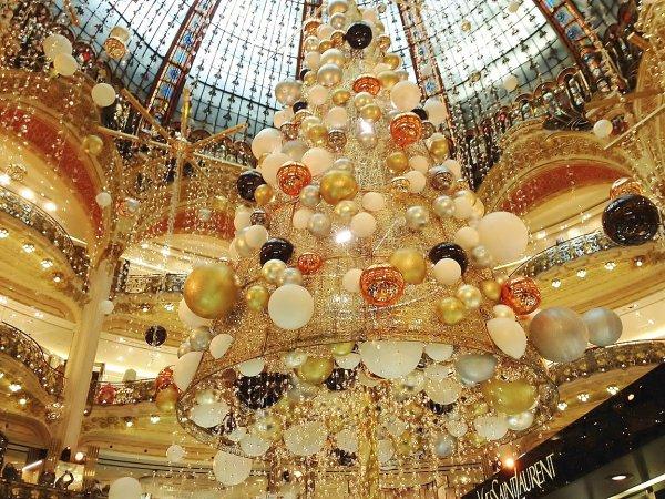 Sapin de Noël 2015 des GL à Haussmann