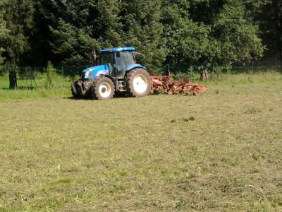 Fannage 2011: avec un new holland ts115!!!