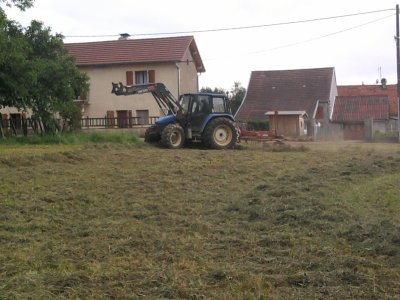 Andainage 2011: avec un new holland tl100!!!