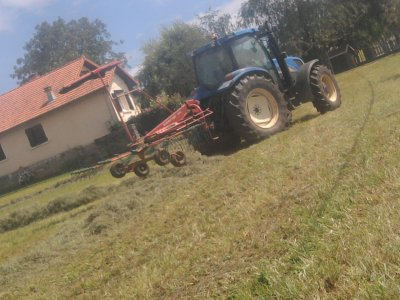 Andainage 2011: avec un new holland ts115!!!