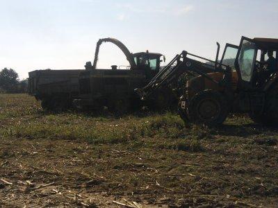 Ensilage de maîs 2011: avec une class jaguar 940 et une john deere 6850!!!