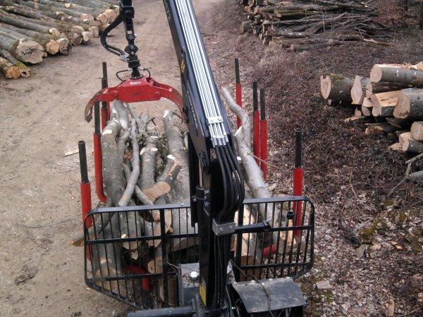 Débardage de bois en bout de 4 mètres 2012 : avec un fiat 1180 d.t.h!!!!