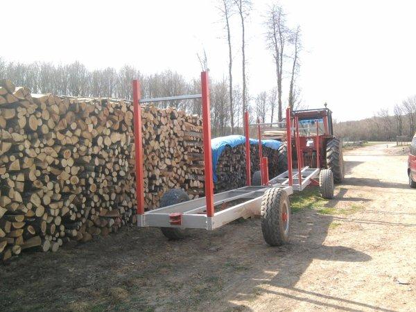 Débardage de bois 2012: avec un renault 751!!!