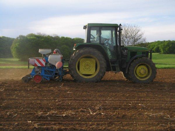Semis de maïs 2012: avec un john derre 6300!!!
