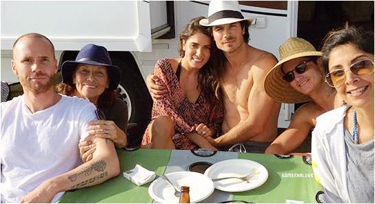 Ian et Nikki fête l'anniversaire de Nikki en famille en Californie le 16 mai.