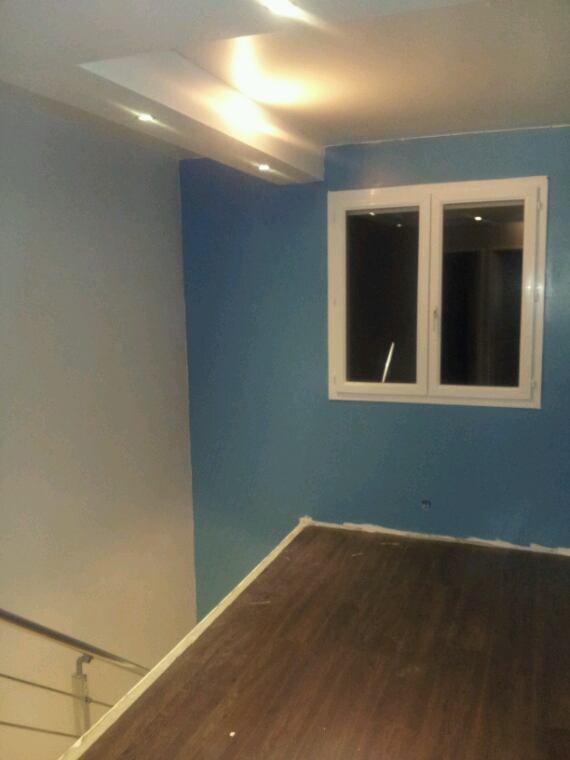 Peinture gris et bleu cage escalier maison yoca for Astuce peindre cage escalier
